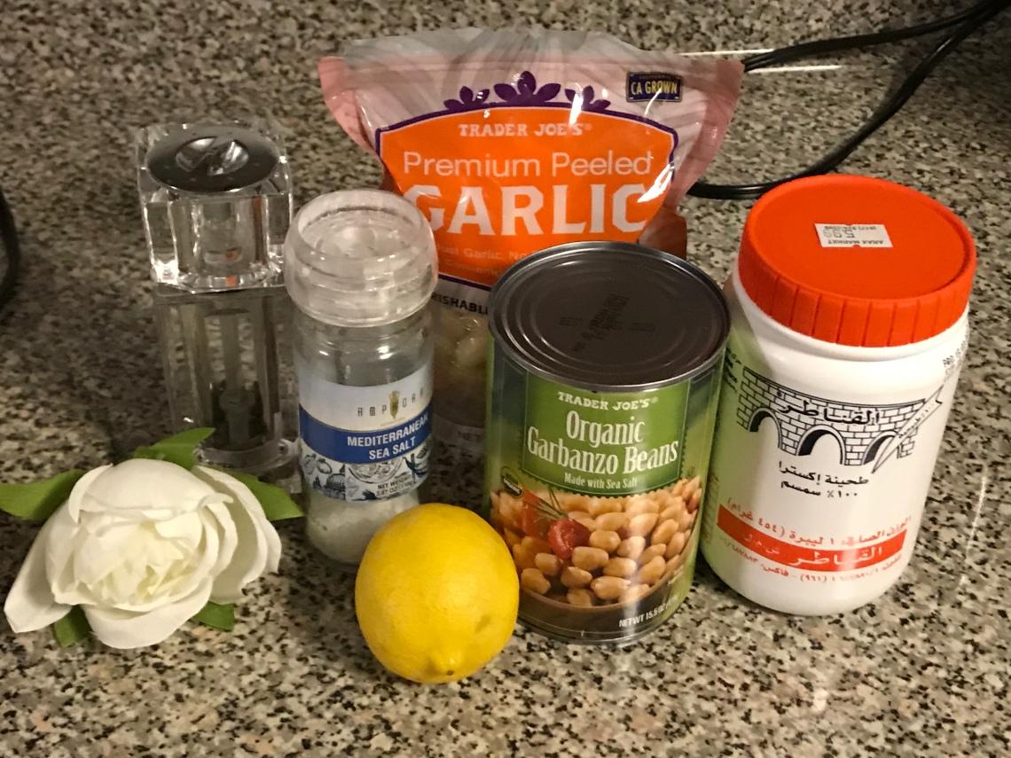 Simple Oil Free Homemade Hummus
